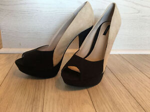 BRAND NEW Forever 21 Black and Beige High Heels - Size 9
