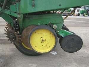 John Deere 7000 Planter Cambridge Kitchener Area image 9