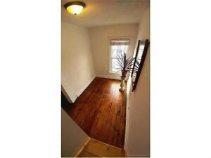 Charming 2 Bedroom + Den : Hydro Included