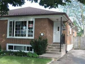 Beautiful And Rare Raised Semi Bungalow In Applewood Heights