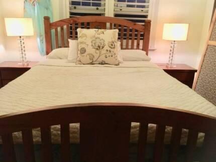 Queensize bedroom suite
