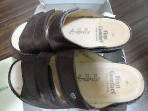 Specialty Shoes FINN COMFORT KORFU BROWN
