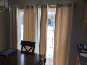 WINDOW CURTAINS AND ROD