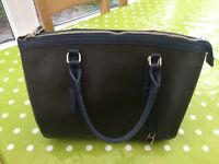 Accessorize bag-nearly new.