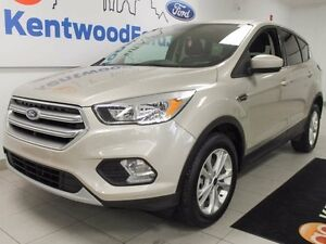 2017 Ford Escape SE 4WD ecoboost in a stylish golden colour