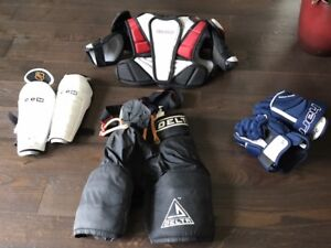 assorted hockey gear for a youth (7-11 yrs old) Great condition