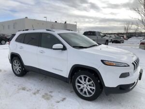 2017 Jeep Cherokee Limited- Leather, Navigation, Sunroof