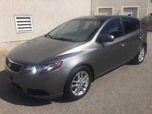 2011 KIA FORTE EX, ALLOYS, ROOF RACK, HEATED SEATS, LOW KMS 105K