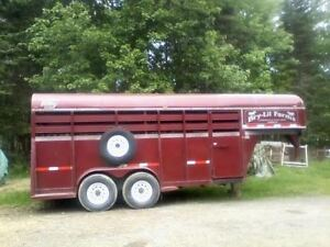 2008 GOOSENECK HORSE TRAILER FOR SALE