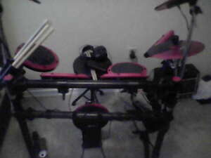electronic drum kit by ddrum