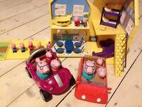 Peppa pig house + 2 cars + a few figures