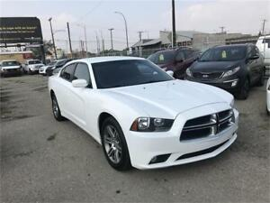 2014 Dodge Charger SXT with only 68839 km