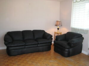 BLACK LEATHER COUCH AND CHAIR SET FOR SALE
