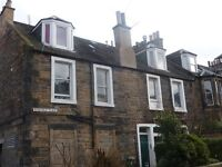 ROSEVALE PLACE - First floor property in traditional colony terrace in Leith, unfurnished, one bed.