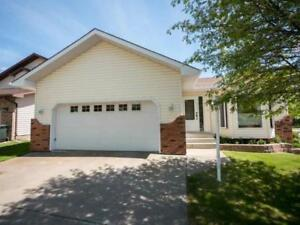 5bd 3ba Home for Sale in Sherwood Park