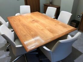 Solid wood meeting room table, 180 x 120 x 75 cm, good condition