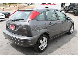 2004 Ford Focus *ZX5 Premium* / LOW KMs  .AUTO.  LEATHER . SUNRO Kitchener / Waterloo Kitchener Area image 6