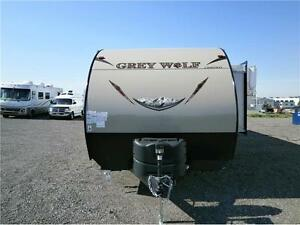 2017 FOREST RIVER GREY WOLF 27 RR TOY HAULER W/SLIDE! $27495!! London Ontario image 10