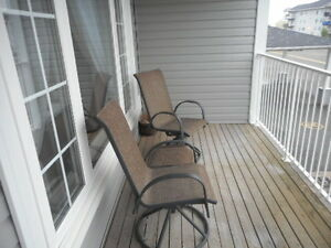 1500 sq. ft., 3 bedrooms, 1.5 baths, elevator!