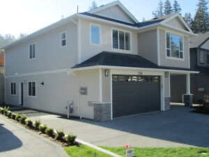 2016  home with 2 Bd self contained suite