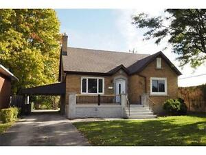 Beautiful, Fully Renovated 6 Bedroom Family Home!
