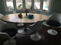 TULIP STYLE TABLE, IMMACULATE, COLLECTOR'S PIECE, A CLASSIC