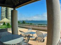 VIEW OF THE LAKE. 955SQFT. CORNER UNIT. MINUTES TO DOWNTOWN