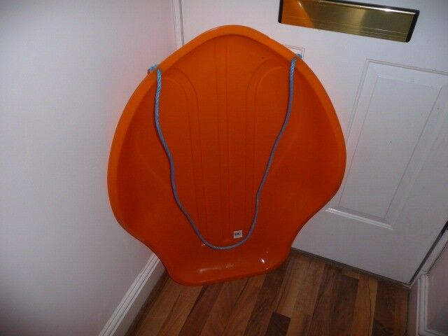 Toboggan / Sled - Stingray - superb condition - ready for the snow - large