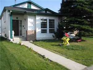 Beautiful 3 BR in Millwoods! Available September 1!