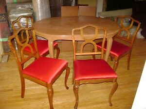 Dining Table + 2 Extensions, 4-Chairs Reconditioned