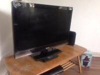 "Flat Screen TV - Sharp AQUOS TV LC-32LU700E 32"""