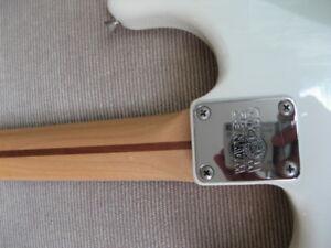 1992 Fender Squier japan japon mij wayne world stratocaster