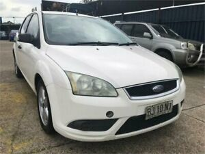 2007 Ford Focus LT CL White 4 Speed Automatic Sedan