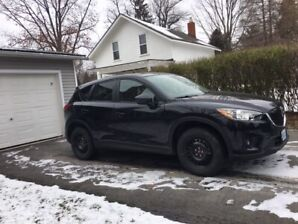 2015 Mazda CX5 GT, automatic with hitch and Winter Tires