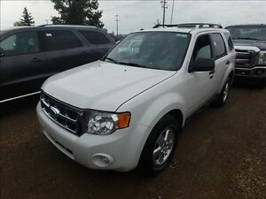 2011 Ford Escape XLT 4x4 *Low Price!