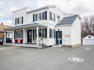 Duplex avec garage Granby