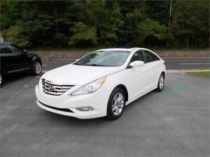 2013 HYUNDAI SONATA GLS...LOADED!!! POWER SUNROOF & BLUETOOTH!!