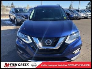 2017 Nissan Rogue SV AWD PANORAMIC SUNROOF! REMOTE STARTER!