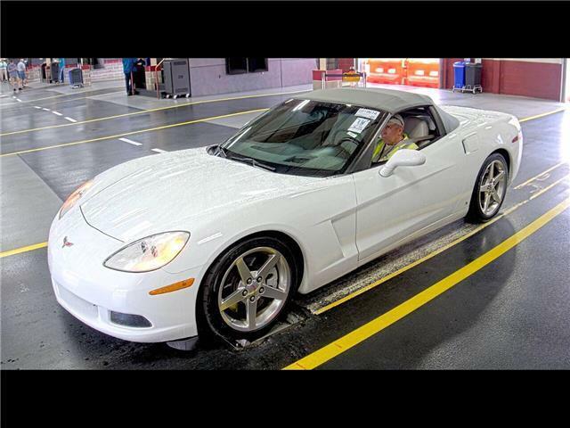 2006 White Chevrolet Corvette  3LT   C6 Corvette Photo 2