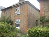 Available Aug 1st - Kingston 3 Double Bed House + Garden + Lounge + Fully Furnished