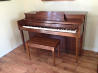PIANO with storage bench