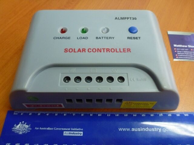 Solar Panel Regulator Deep Cycle Battery Charge Load Lamp Controller 20A 12V 24V