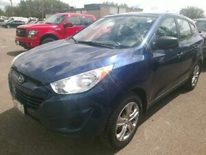 2010 Hyundai TUCSON GL Super low kms no accidents