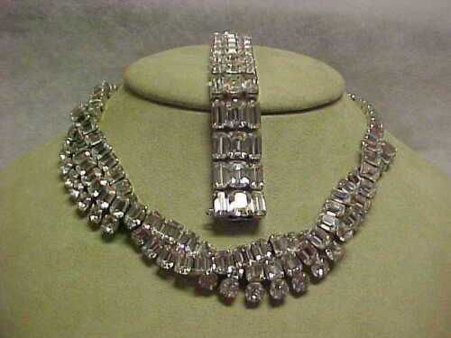 Wonderful Eisenberg Vintage Signed Bracelet and Necklace set
