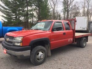 Western Flat Bed 4x4 Duramax with manual Trans