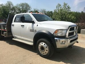5500 Dodge Ram 2015 LOW KLM  EXC CONDITION