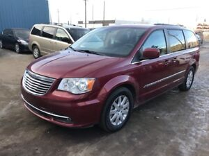 2014 Chrysler Town and Country Stow & Go (BACKUP CAM)POWER DOORS