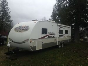 33 foot keystone outback trailer 30RLS model