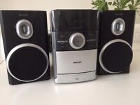 PHILIPS COMPLETE HI FI SYSTEM WITH CD RADIO AND TAPE