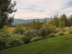 3 Bdrm Country Home with Mountain Views, Barn + 8 acres land West Island Greater Montréal image 2
